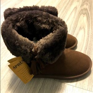 Apres by LAMO brand new boots